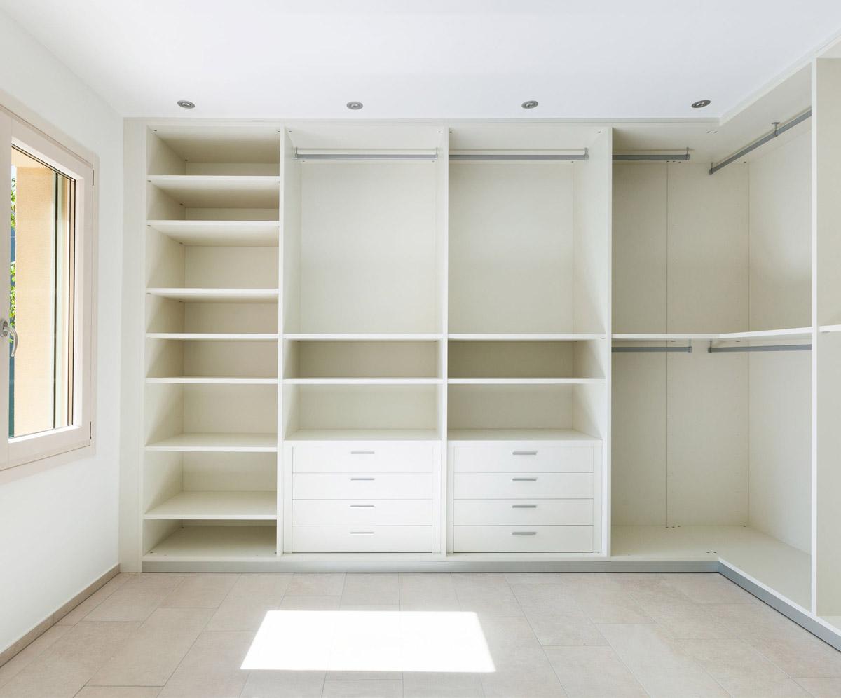Planen Sie Ihren Schrank: Innenausstattung begehbarer Schrank